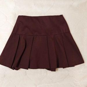 SALE BCBG burgandy pleated skirt XS